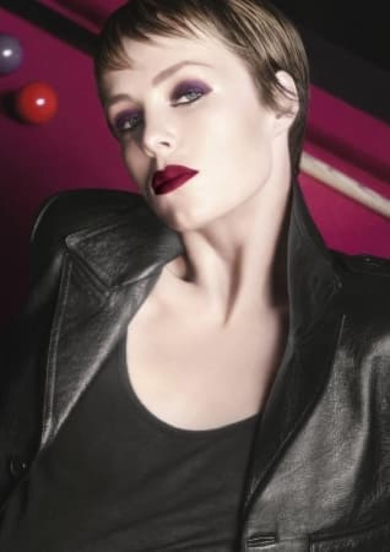 イヴ・サンローラン2019年秋のルック「SEXY TOMBOY(セクシートムボーイ)」でメイクした女性